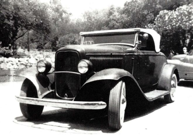 005 Hedrich 1932 Ford Roadster Front Three Quarter