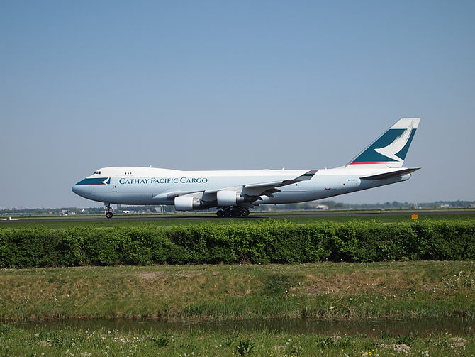 English: Cathay Pacific Cargo B-LIC departing ...