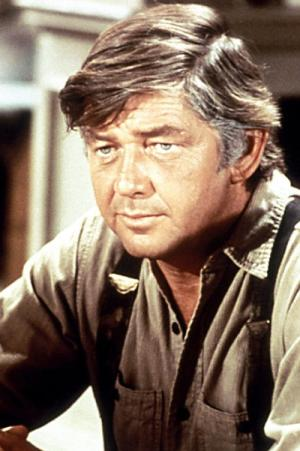 Ralph Waite, who played the family patriarch on quot;The Waltons,quot; has died at the age of 85.