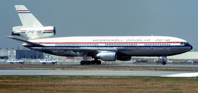 DC-10 in factory colors - Photo: Bob Garrard
